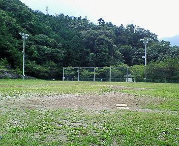 ソフトボールでは雨男